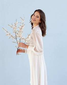 Luxurious ivory maxi robe Epifania