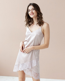 Pale Rose satin nightdress Epifania