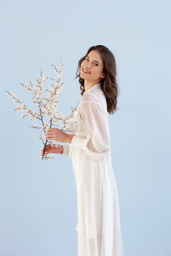 Luxurious ivory maxi robe Epifania